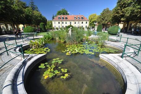 The Worlds Oldest Zoo Tiergarten Schönbrunn
